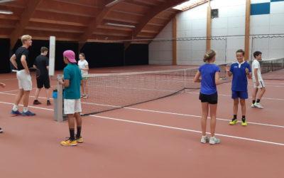 Zo leer je jonge tennissers omgaan met wedstrijdspanning.